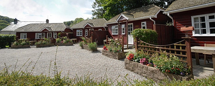 A range of detached lodges offer character accommodation in the range of sizes